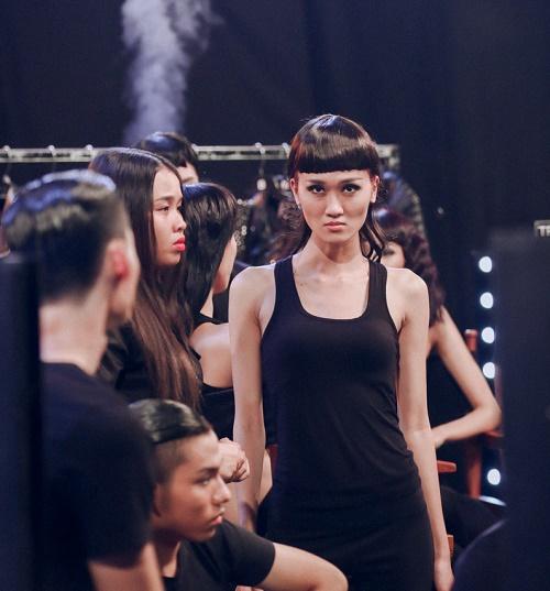 Loạt ảnh hậu trường gây tò mò tại Vietnam's Next Top - 9
