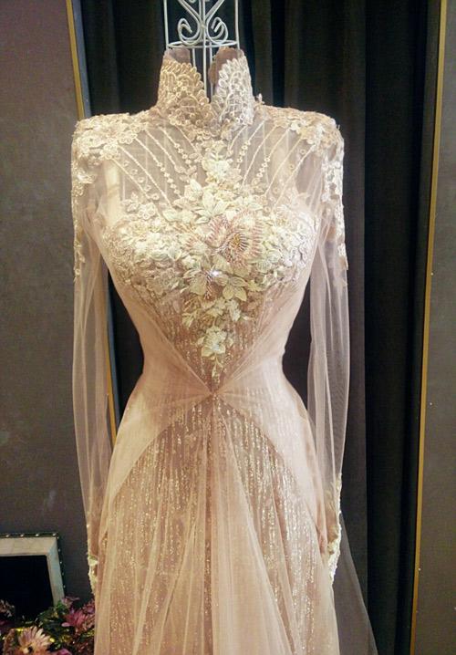 Bật mí về áo dài, váy cưới kỳ công của Ngọc Lan - 2