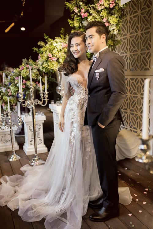 Bật mí về áo dài, váy cưới kỳ công của Ngọc Lan - 6