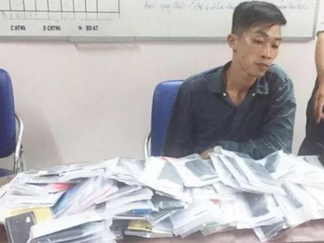 Một giờ trộm được 120 chiếc điện thoại - 1