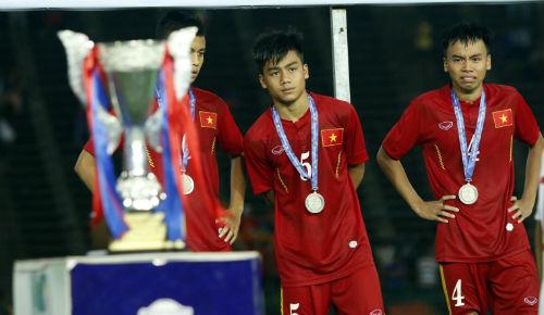 Thua tức tưởi, U16 Việt Nam khóc như mưa nhận HCB - 15