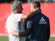Rooney so sánh Mourinho ngang với Sir Alex