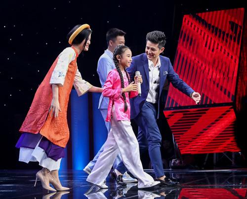 """The Voice Kids tập 1: Đông Nhi """"hốt"""" hết thí sinh xuất sắc - 5"""