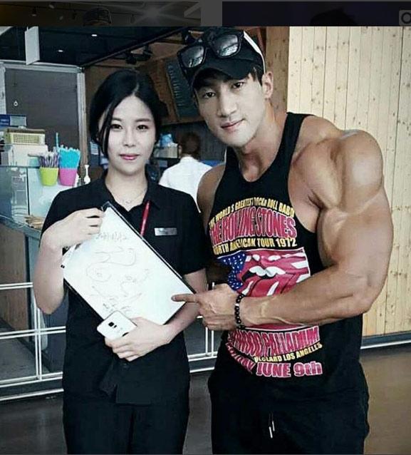 """""""Người hùng cơ bắp"""" Hàn Quốc đang khiến chị em mê mệt - 3"""