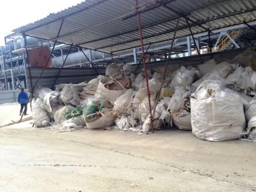 Cận cảnh rác chất đống, cá chết trong Formosa - 6