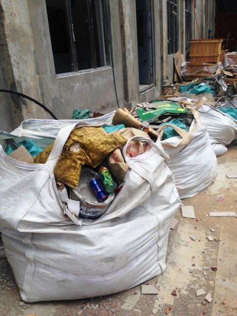 Cận cảnh rác chất đống, cá chết trong Formosa - 5