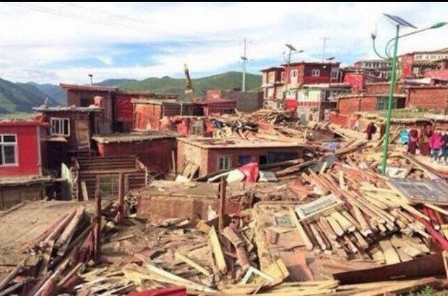 Trung Quốc phá dỡ học viện Phật giáo lớn nhất Tây Tạng - 4
