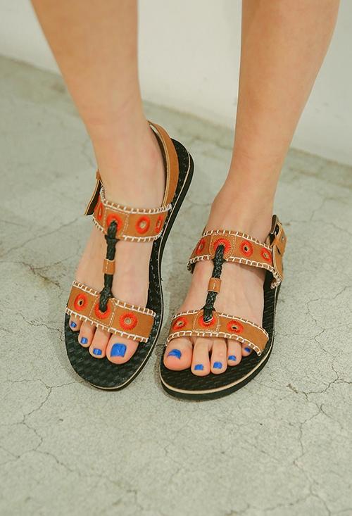 Vì mùa hè là mùa của dép sandal! - 1