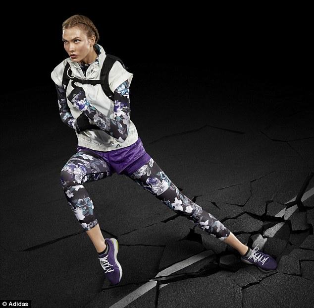 Mẫu nội y cực kỳ ấn tượng với trang phục thể thao - 1