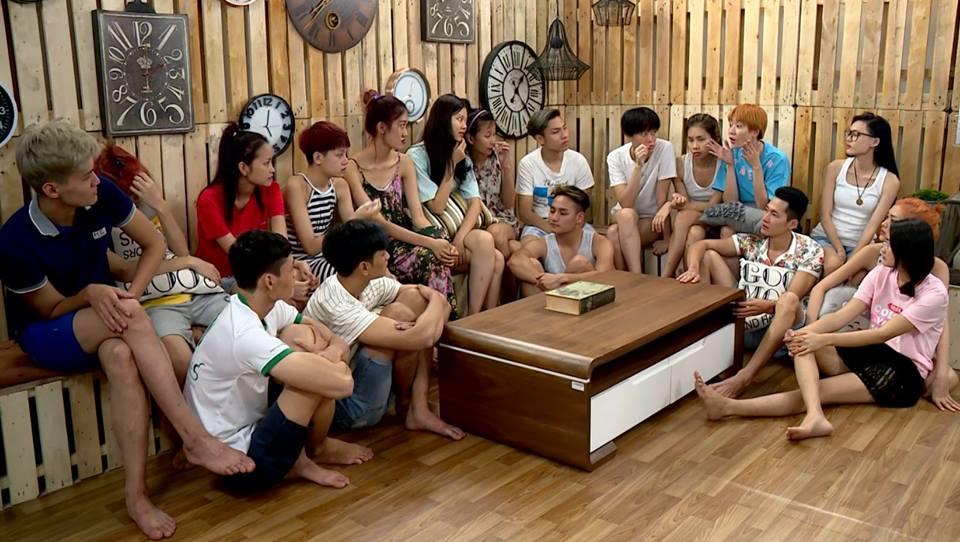 2 hot girl tranh cãi ầm ĩ tại Vietnam's Next Top Model - 2