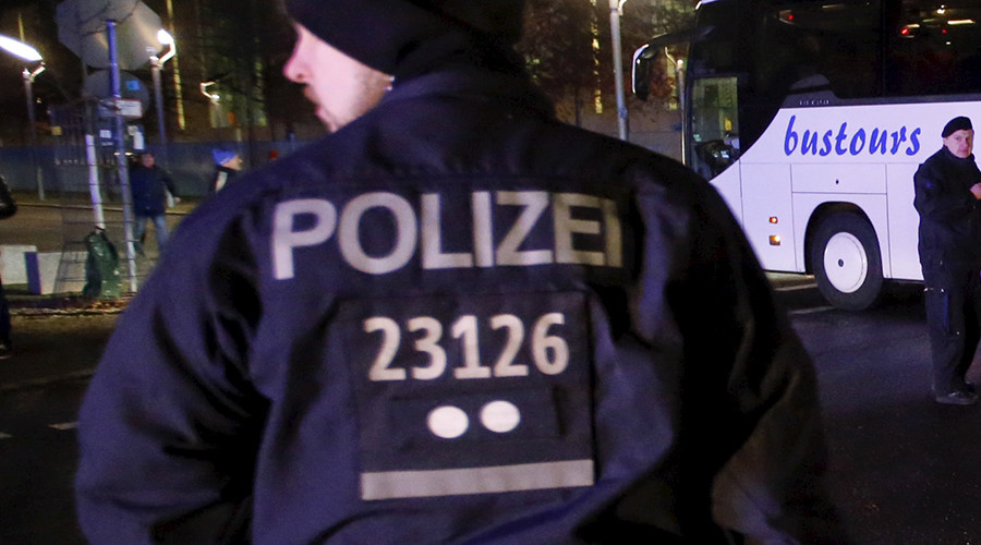 Nổ bên ngoài nhà hàng ở Đức, 1 người chết, 11 bị thương - 1