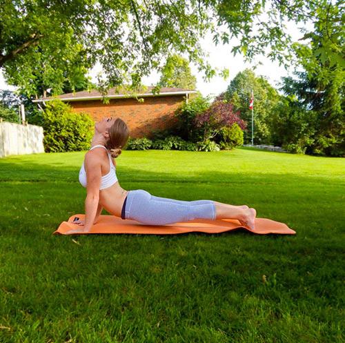9 bài tập yoga vào buổi sáng giúp thân hình khỏe, đẹp - 3