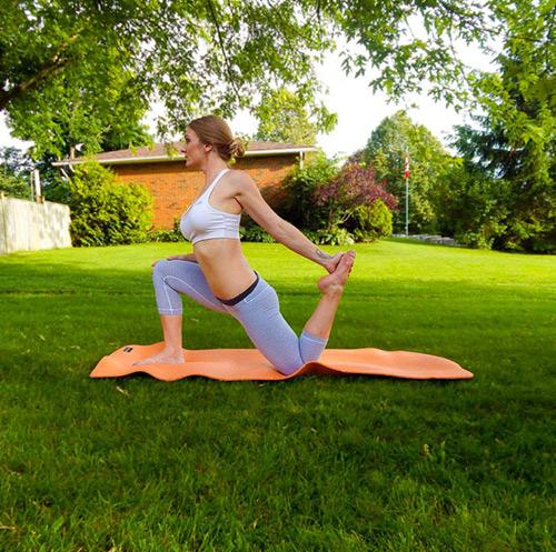 9 bài tập yoga vào buổi sáng giúp thân hình khỏe, đẹp - 6