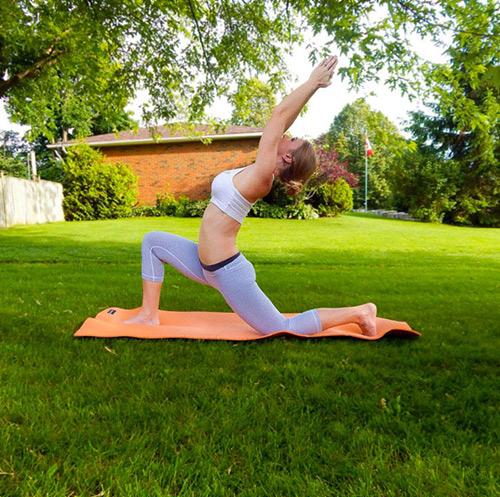 9 bài tập yoga vào buổi sáng giúp thân hình khỏe, đẹp - 5