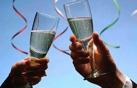 Rượu gây ra bảy loại ung thư - 1