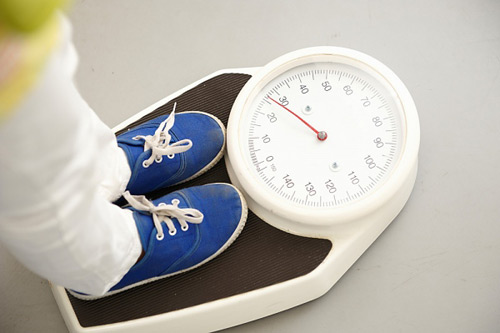 Vì sao trẻ ăn dặm chậm tăng cân? - 1