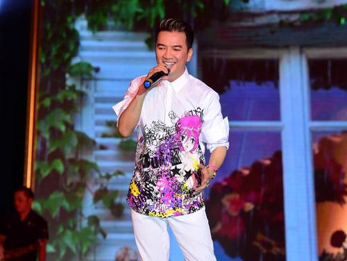 Hồ Ngọc Hà mặc táo bạo biểu diễn sung - 4
