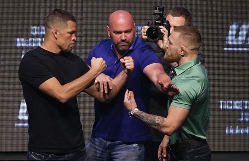 """Ronaldo đọ 6 múi, quyết đấu """"Gã điên UFC"""" - 5"""