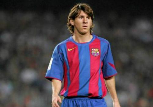 """Kiểu tóc Messi: Từ thư sinh thành """"tay chơi"""" số 1 - 2"""