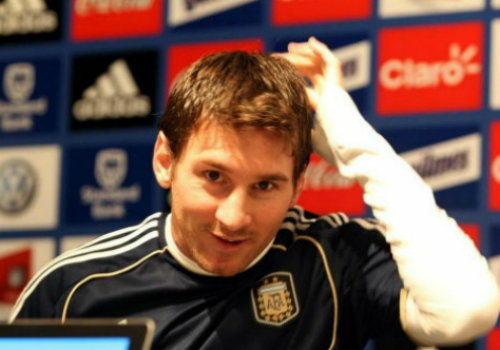 """Kiểu tóc Messi: Từ thư sinh thành """"tay chơi"""" số 1 - 4"""