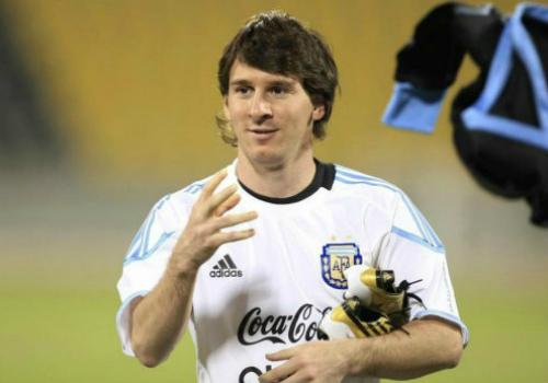 """Kiểu tóc Messi: Từ thư sinh thành """"tay chơi"""" số 1 - 5"""