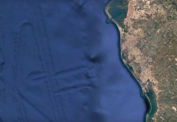 """Phát hiện thành phố """"ngoài hành tinh"""" nhờ Google Earth? - 2"""