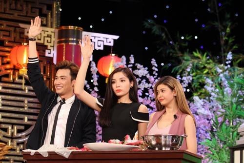"""Kỳ Duyên """"nổi cáu"""" vì phải nhìn Trường Giang ăn trong gameshow - 1"""