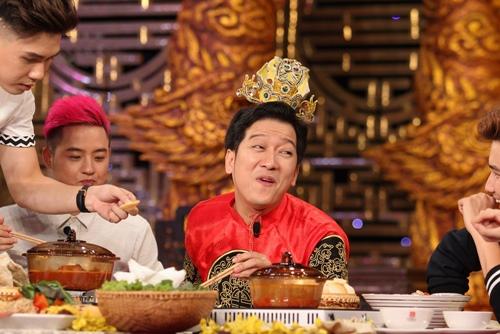 """Kỳ Duyên """"nổi cáu"""" vì phải nhìn Trường Giang ăn trong gameshow - 3"""