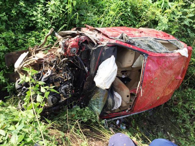 Ô tô BMW lao xuống vực, 7 người thương vong - 2
