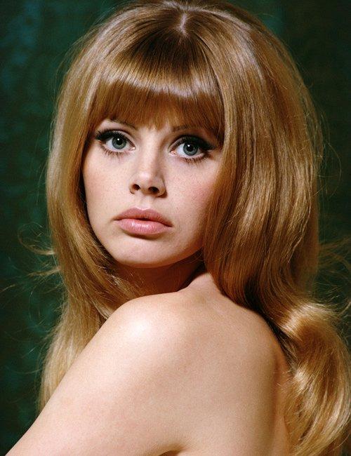 """Nhan sắc Bond girl gợi cảm 1 thời bị """"dao kéo"""" tàn phá - 1"""