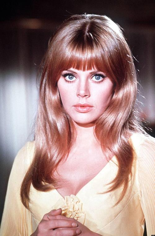 """Nhan sắc Bond girl gợi cảm 1 thời bị """"dao kéo"""" tàn phá - 8"""