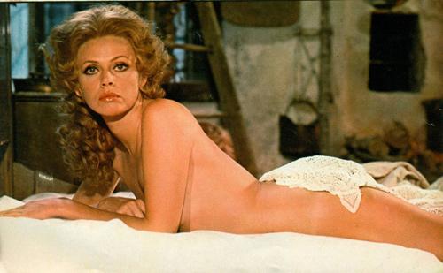 """Nhan sắc Bond girl gợi cảm 1 thời bị """"dao kéo"""" tàn phá - 9"""