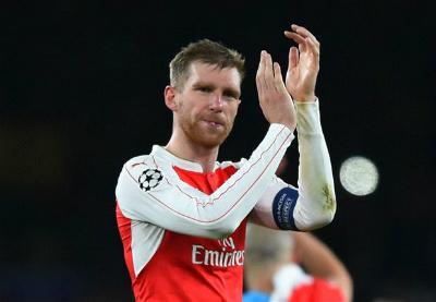 """Sanchez, Ozil bị chê chưa đủ """"trình"""" gánh vác Arsenal - 5"""
