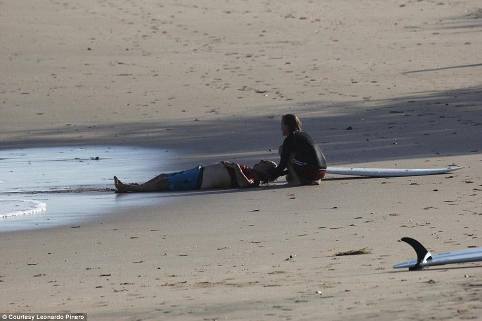 Cá sấu ngoạm đứt chân du khách ở bãi biển Costa Rica - 3