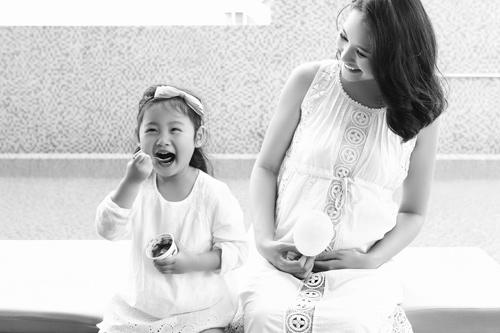 Hoa hậu Hương Giang vừa sinh con gái thứ 2 - 3