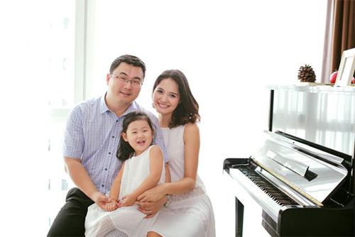 Hoa hậu Hương Giang vừa sinh con gái thứ 2 - 2
