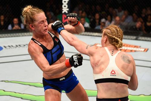UFC: Đả nữ Muay Thái đàn áp cao thủ boxing - 1