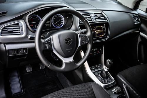 Ra mắt Suzuki S-Cross 2017 phiên bản giá cao - 5
