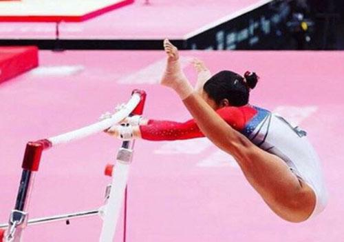 Dàn VĐV mỹ nam, mỹ nữ khoe thân hình lung linh trước Olympic - 11