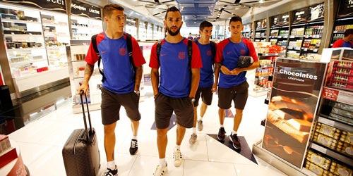 Messi với mái tóc gây bão hội quân cùng Barca - 3