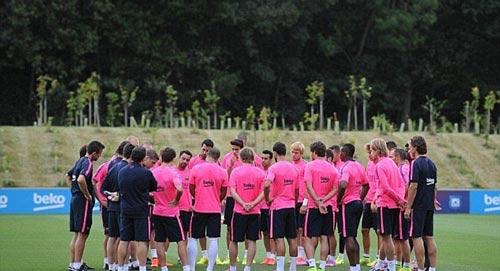 Messi với mái tóc gây bão hội quân cùng Barca - 7