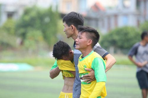 Bóng đá Hà Nội và Đà Nẵng bị tố gian lận tuổi - 1