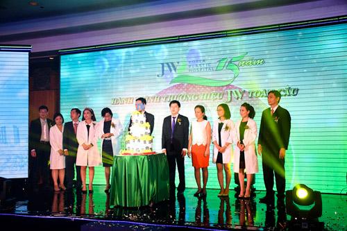 1000 khách hàng tham dự sinh nhật Bệnh viện thẩm mỹ JW - 6