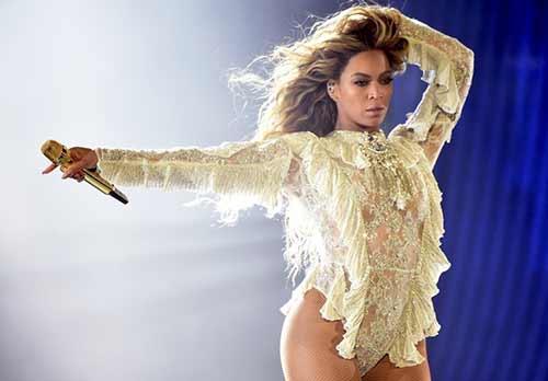 """Tủ đồ ấn tượng của Beyonce trong """"Formation World Tour"""" - 1"""