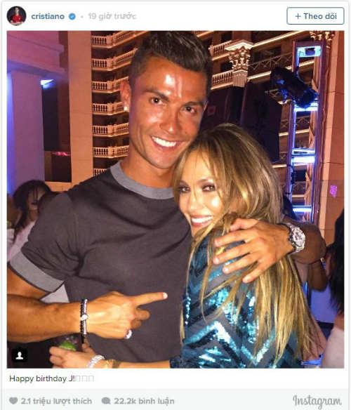 Giải sầu vì chấn thương, Ronaldo vô tư nhảy cùng bồ cũ - 1