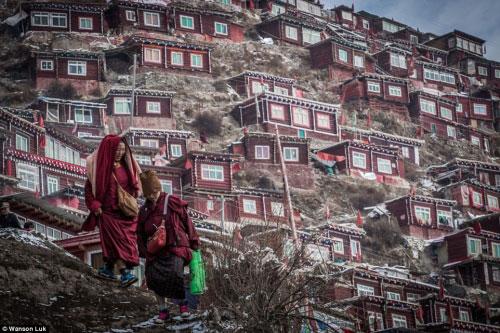 Ngắm vẻ tuyệt đẹp của Larung Gar - Thung lũng Phật giáo sắp bị phá bỏ - 10