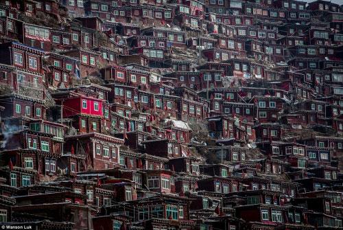 Ngắm vẻ tuyệt đẹp của Larung Gar - Thung lũng Phật giáo sắp bị phá bỏ - 2