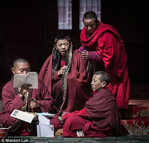 Ngắm vẻ tuyệt đẹp của Larung Gar - Thung lũng Phật giáo sắp bị phá bỏ - 6