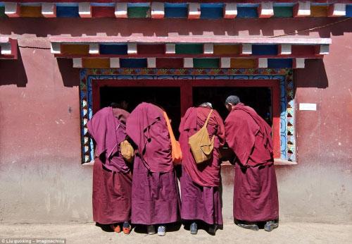 Ngắm vẻ tuyệt đẹp của Larung Gar - Thung lũng Phật giáo sắp bị phá bỏ - 8