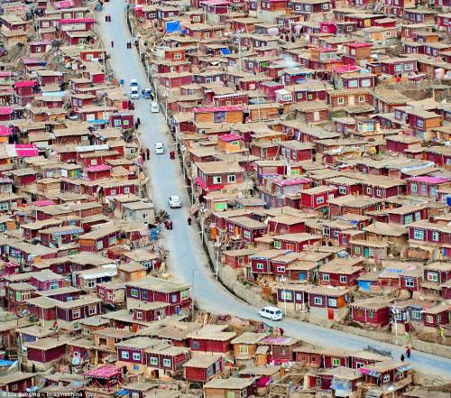 Ngắm vẻ tuyệt đẹp của Larung Gar - Thung lũng Phật giáo sắp bị phá bỏ - 9